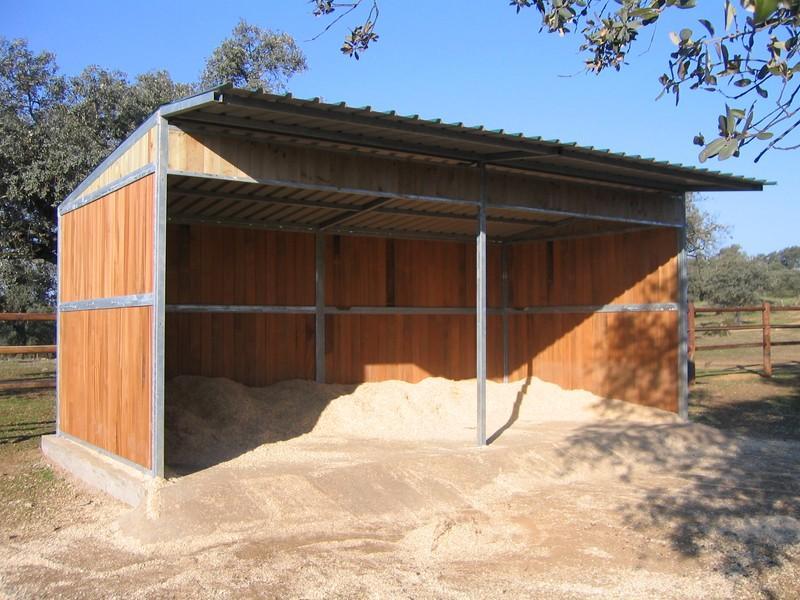 Instalaciones h picas agrobroker - Refugios de madera prefabricados ...