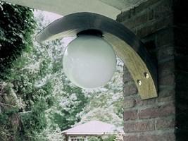 lampara curva pared