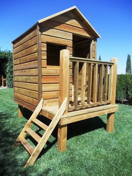 Caseta para niños de madera tratada