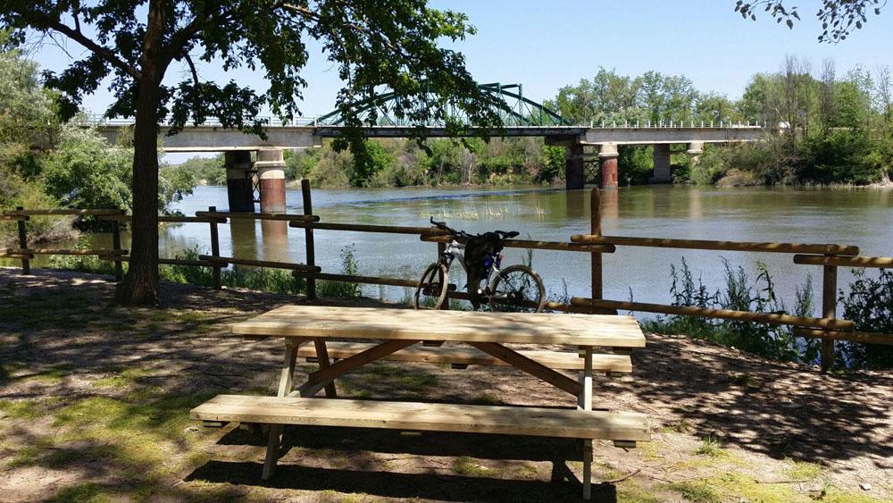 Mesas de pícnic para ayuntamientos y administraciones públicas